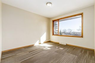 Photo 12: 5615 Thorndale Place NW in Calgary: Thorncliffe Detached for sale : MLS®# A1091089
