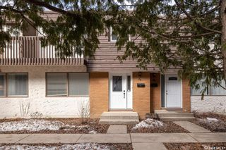 Photo 1: 35 120 Acadia Drive in Saskatoon: West College Park Residential for sale : MLS®# SK850229