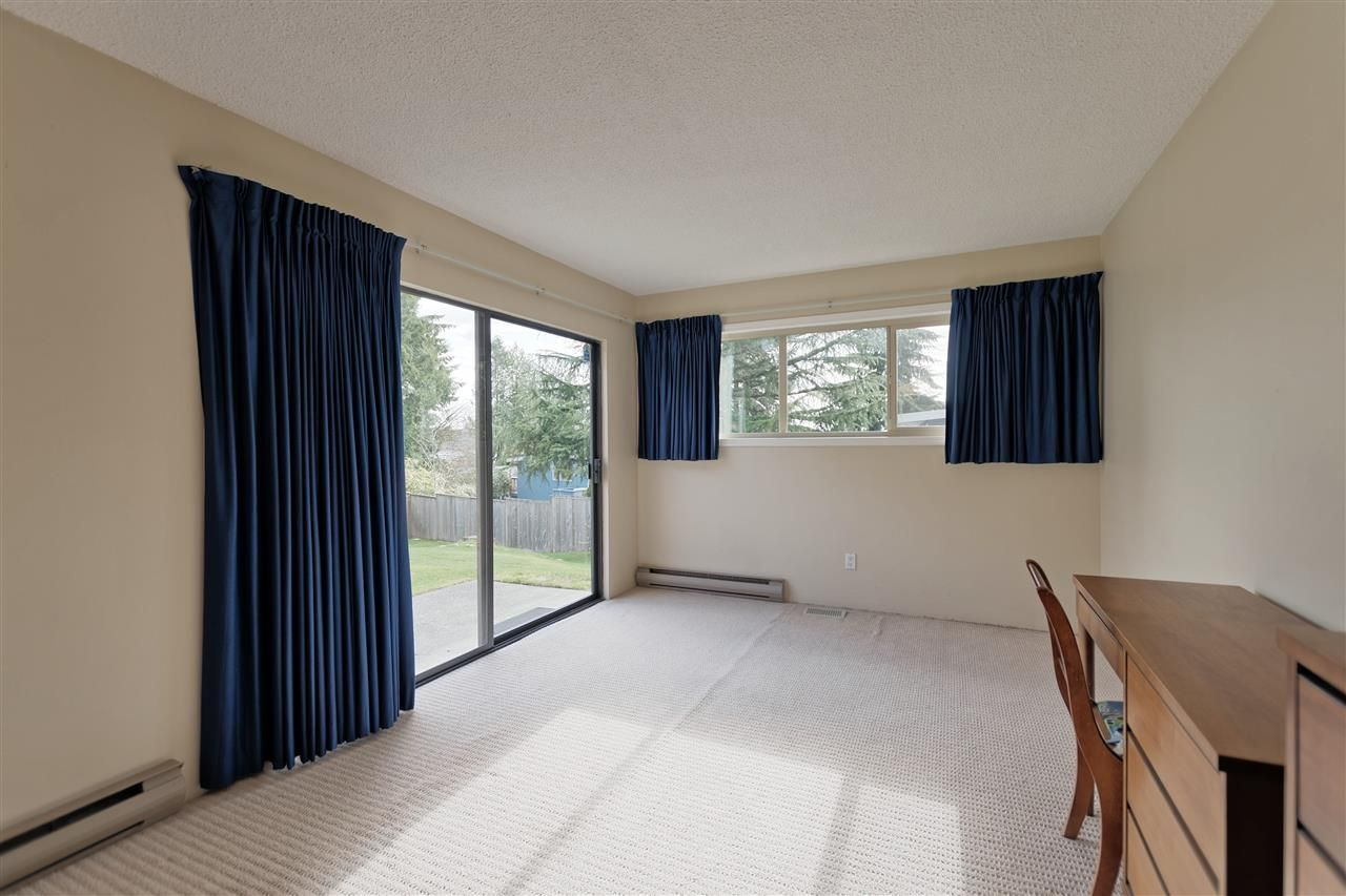 Photo 17: Photos: 2923 EDDYSTONE Crescent in North Vancouver: Windsor Park NV House for sale : MLS®# R2253154