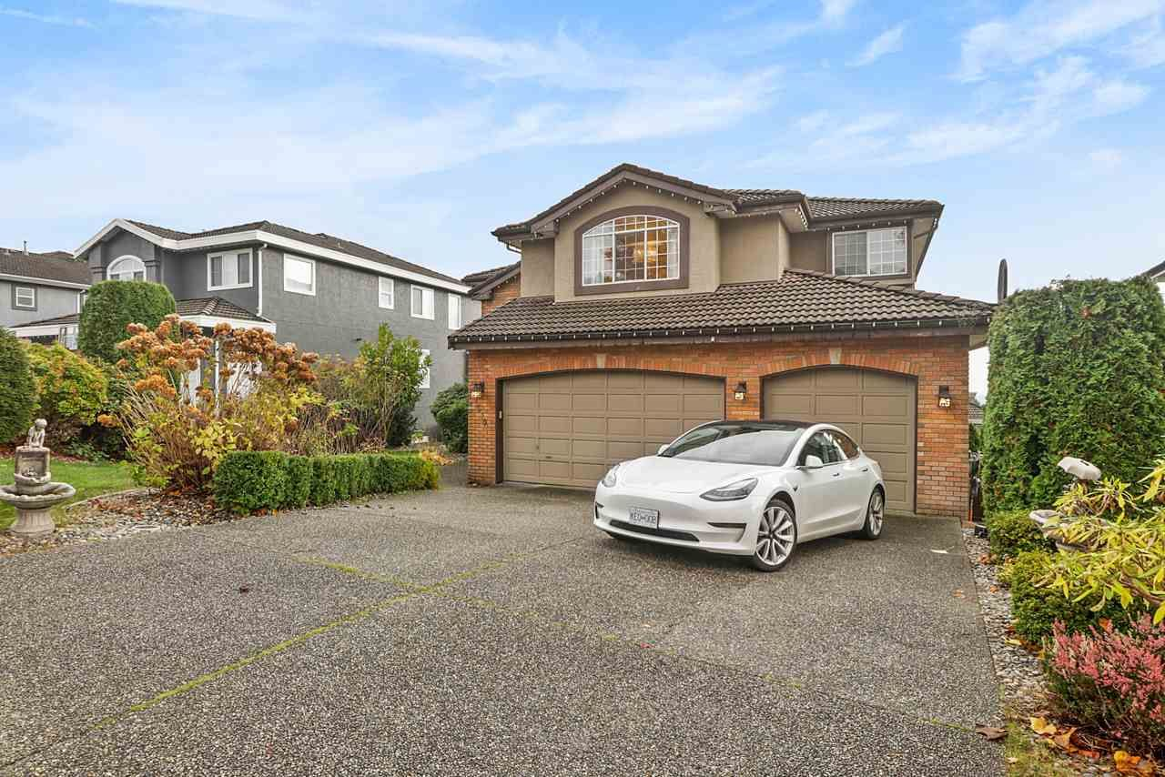 Main Photo: 1519 EAGLE MOUNTAIN Drive in Coquitlam: Westwood Plateau House for sale : MLS®# R2516738