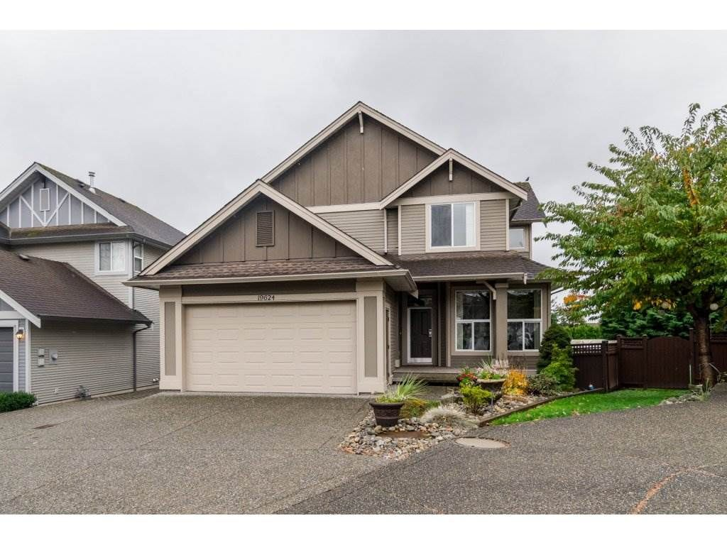 """Main Photo: 19624 69A Avenue in Langley: Willoughby Heights House for sale in """"Camden Park"""" : MLS®# R2117058"""