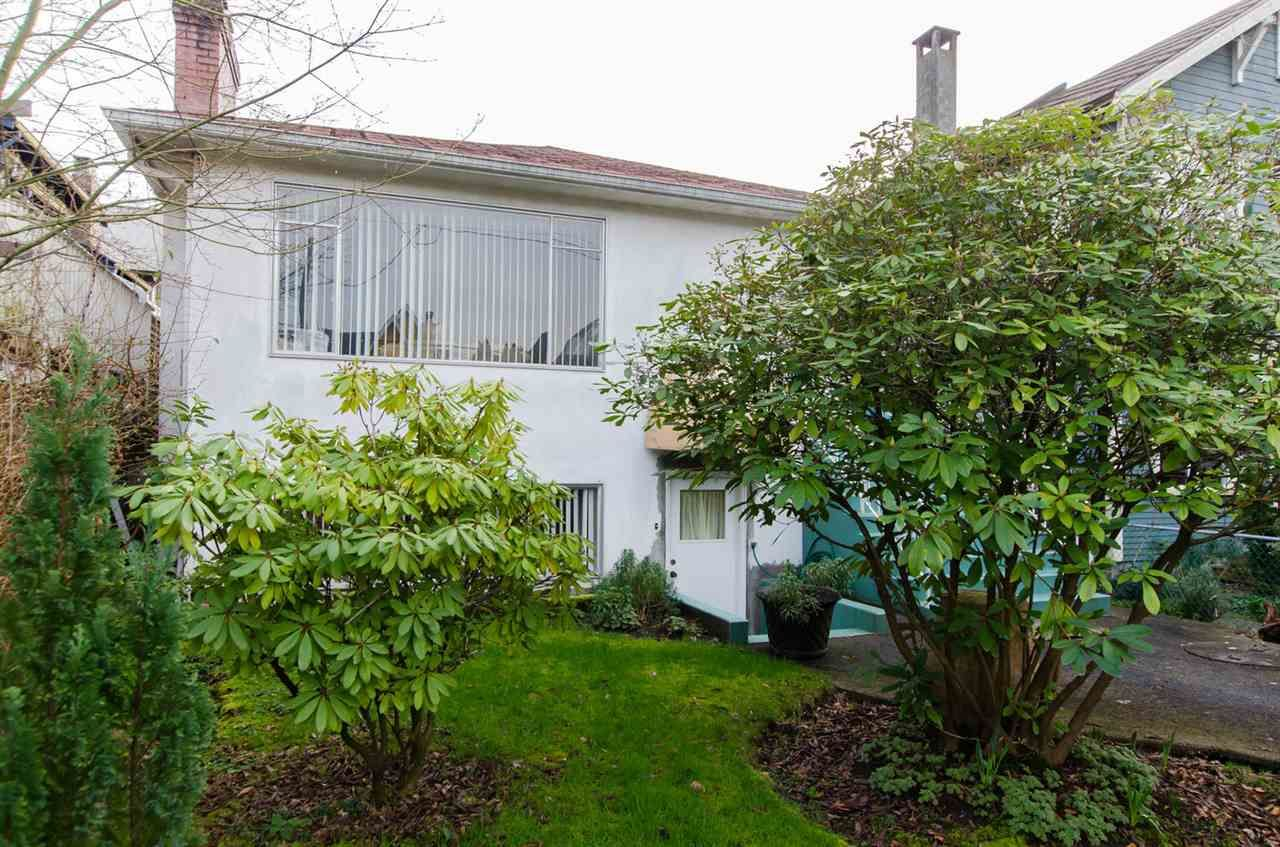 "Main Photo: 3514 W 8TH Avenue in Vancouver: Kitsilano House for sale in ""KITSILANO"" (Vancouver West)  : MLS®# R2037787"