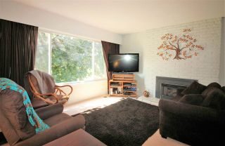 Photo 2: 6484 TRENT Street in Chilliwack: Sardis West Vedder Rd House for sale (Sardis)  : MLS®# R2074222