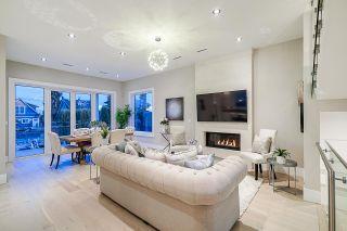 Photo 4: 1106 EDINBURGH Street in New Westminster: Moody Park House for sale : MLS®# R2403527