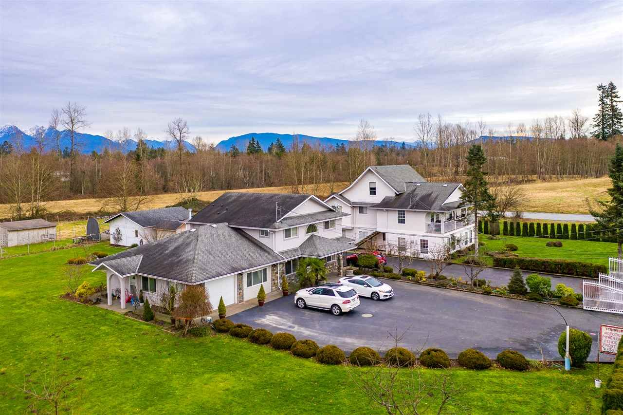 Main Photo: 21479 96 Avenue in Langley: Walnut Grove House for sale : MLS®# R2530789