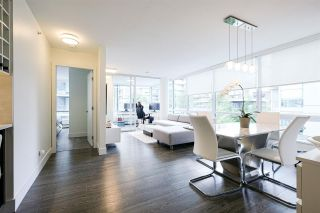 """Photo 3: 319 1783 MANITOBA Street in Vancouver: False Creek Condo for sale in """"The Residence at West"""" (Vancouver West)  : MLS®# R2386439"""