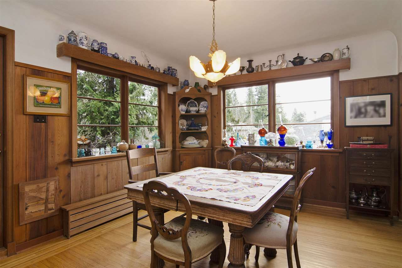 Photo 6: Photos: 1190 SINCLAIR Street in West Vancouver: Ambleside House for sale : MLS®# R2027738