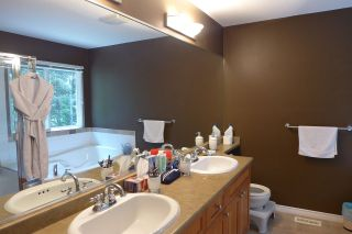 """Photo 9: 72 1701 PARKWAY Boulevard in Coquitlam: Westwood Plateau House for sale in """"Tango"""" : MLS®# R2380225"""