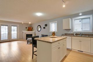 Photo 8:  in Calgary: Apartment for sale : MLS®# C4010902