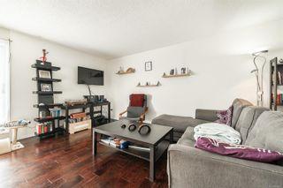 Photo 2: 301 1366 Hillside Ave in : Vi Oaklands Condo for sale (Victoria)  : MLS®# 863851