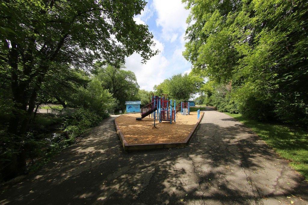 Photo 28: Photos: 154 Douglas Park Road in Winnipeg: Bruce Park/ St. James Single Family Detached for sale (West Winnipeg)  : MLS®# 1519811