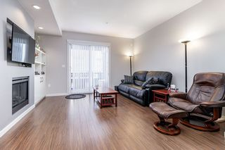 """Photo 3: 14 2495 DAVIES Avenue in Port Coquitlam: Central Pt Coquitlam Townhouse for sale in """"ARBOUR"""" : MLS®# R2331337"""