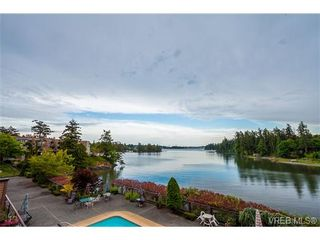 Photo 3: 207 485 Island Hwy in VICTORIA: VR Six Mile Condo for sale (View Royal)  : MLS®# 702261