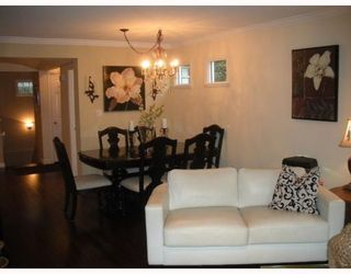 """Photo 4: 1558 BOWSER Avenue in North Vancouver: Norgate Townhouse for sale in """"ILLAHEE"""" : MLS®# V803021"""