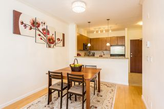 """Photo 5: 407 14 E ROYAL Avenue in New Westminster: Fraserview NW Condo for sale in """"Victoria Hill"""" : MLS®# R2280789"""