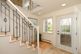 Photo 2: 1178 Dolphin Street: White Rock Home for sale ()  : MLS®# F1111485