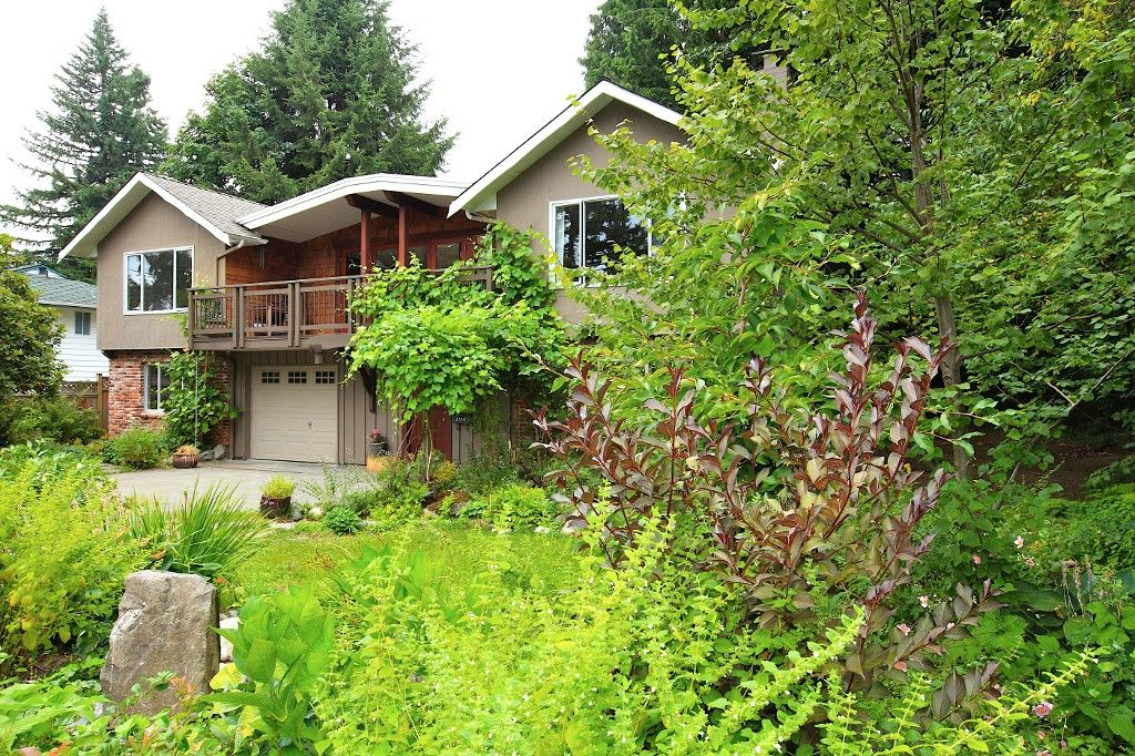 Photo 33: Photos: 2550 SECHELT Drive in North Vancouver: Blueridge NV House for sale : MLS®# V965349