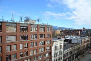 "Photo 2: 809 66 W CORDOVA Street in Vancouver: Downtown VW Condo for sale in ""60 WEST CORDOVA"" (Vancouver West)  : MLS®# R2345288"
