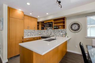 Photo 9: 2525 WOODLAND Drive in Vancouver: Grandview Woodland Townhouse for sale (Vancouver East)  : MLS®# R2355354