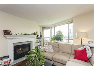 """Photo 5: 502 15111 RUSSELL Avenue: White Rock Condo for sale in """"Pacific Terrace"""" (South Surrey White Rock)  : MLS®# R2597995"""