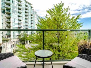 Photo 2: 302 2733 CHANDLERY Place in Vancouver: South Marine Condo for sale (Vancouver East)  : MLS®# R2483139
