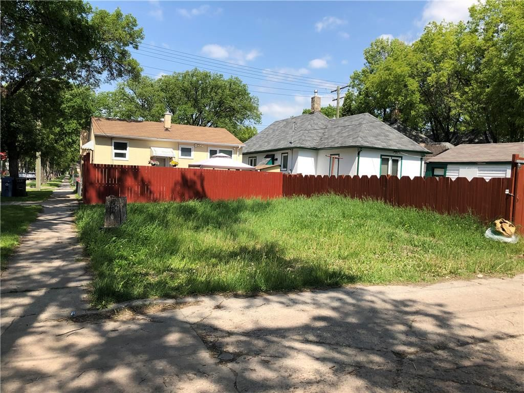 Main Photo: 455 College Avenue in Winnipeg: North End Residential for sale (4A)  : MLS®# 202029018