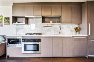 """Photo 3: 1209 13750 100 Avenue in Surrey: Whalley Condo for sale in """"Park Avenue East"""" (North Surrey)  : MLS®# R2597990"""