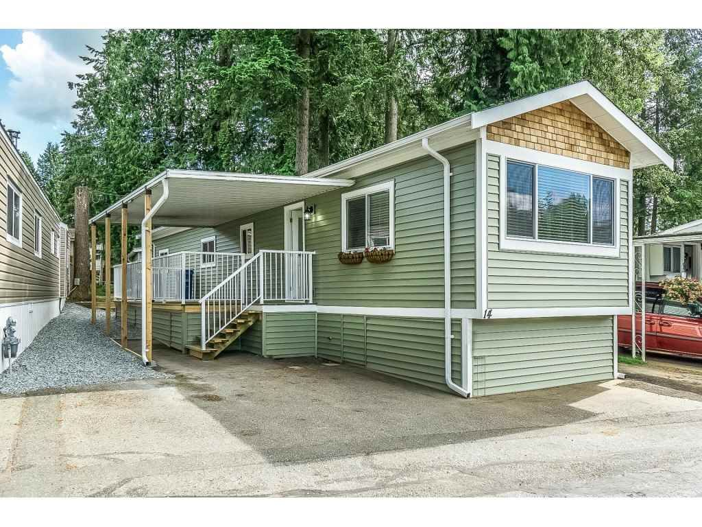 """Main Photo: 14 24330 FRASER Highway in Langley: Otter District Manufactured Home for sale in """"Langley Grove Estates"""" : MLS®# R2518685"""