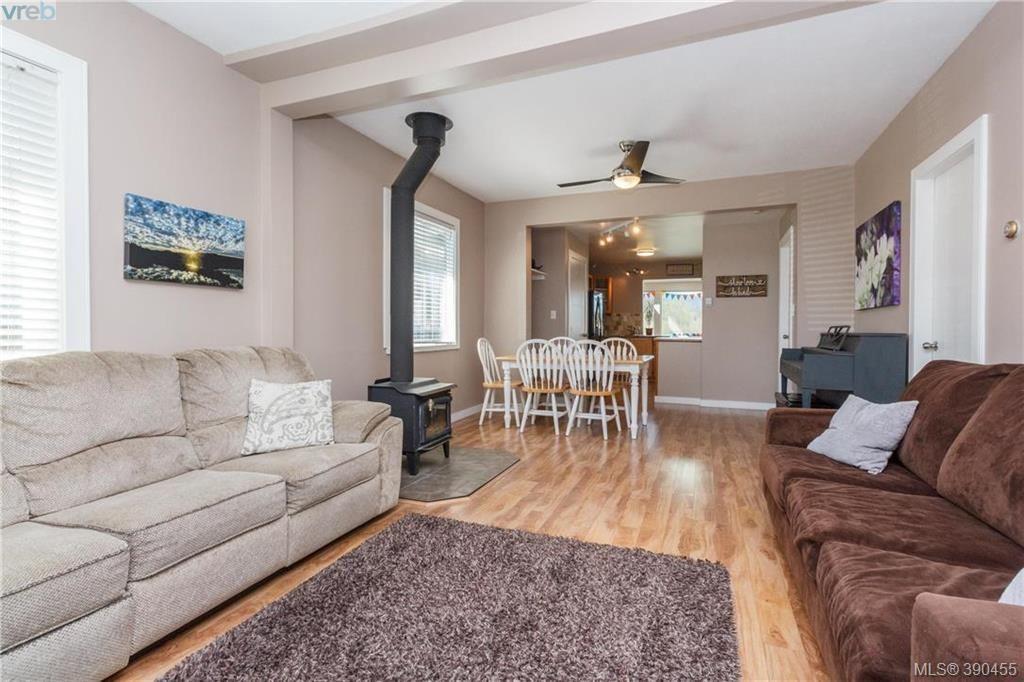Main Photo: 2740 Sooke Rd in VICTORIA: La Glen Lake House for sale (Langford)  : MLS®# 784806