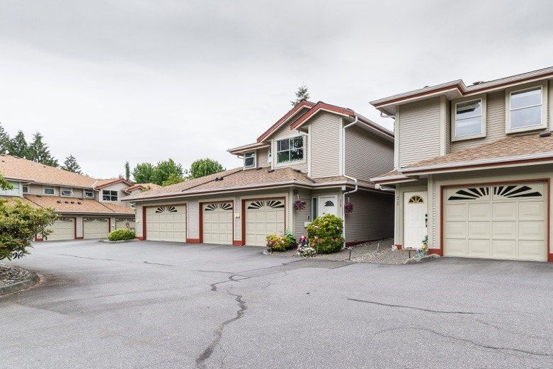 Main Photo: 31 12071 232B Street in Maple Ridge: East Central Townhouse for sale : MLS®# R2070540