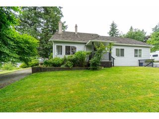 """Photo 6: 3003 208 Street in Langley: Brookswood Langley House for sale in """"Brookswood Fernridge"""" : MLS®# R2557917"""