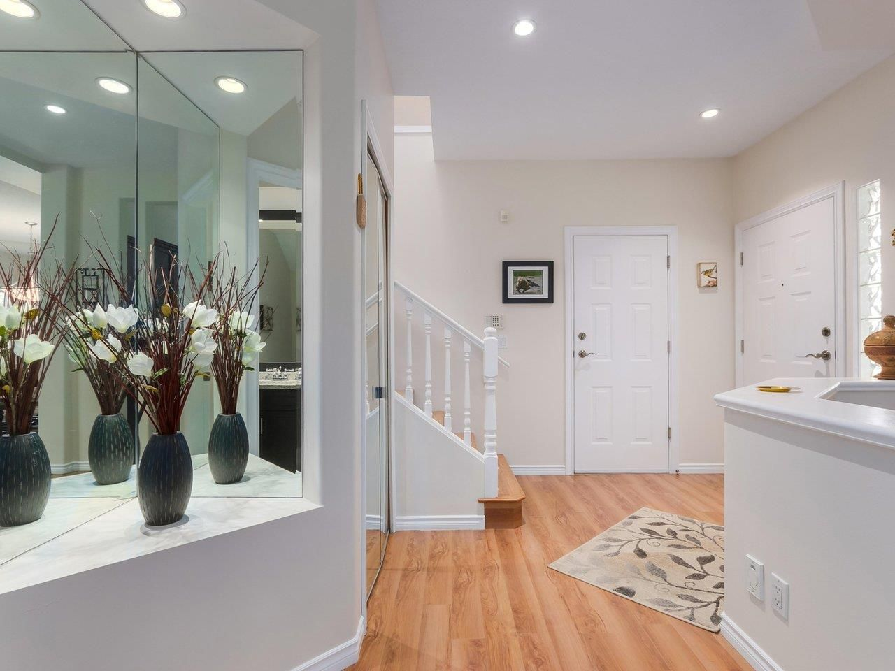 """Photo 2: Photos: 21 998 RIVERSIDE Drive in Port Coquitlam: Riverwood Townhouse for sale in """"PARKSIDE PLACE"""" : MLS®# R2371728"""