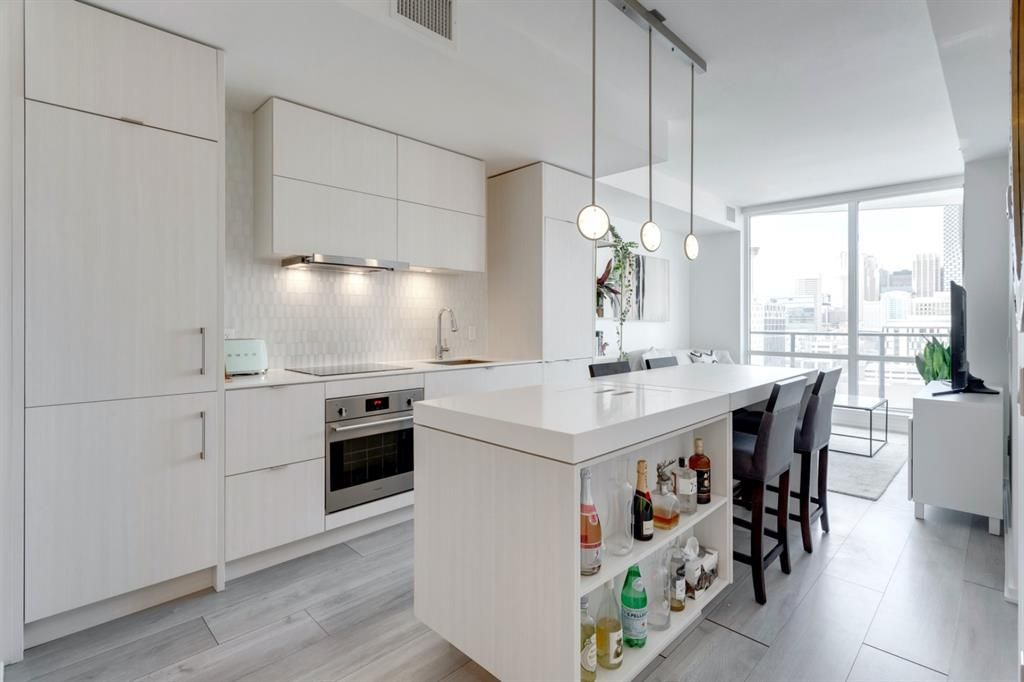 Main Photo: 1210 615 6 Avenue SE in Calgary: Downtown East Village Apartment for sale : MLS®# A1061101
