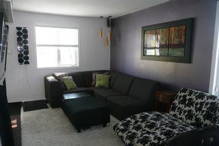 Photo 5: 536 Greenacre Blvd.: Residential for sale