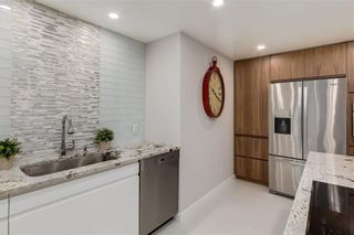 Photo 10: 302C 500 EAU CLAIRE Avenue SW in Calgary: Eau Claire Apartment for sale : MLS®# C4215554