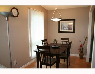 Photo 2:  in WINNIPEG: Fort Garry / Whyte Ridge / St Norbert Residential for sale (South Winnipeg)  : MLS®# 2917894