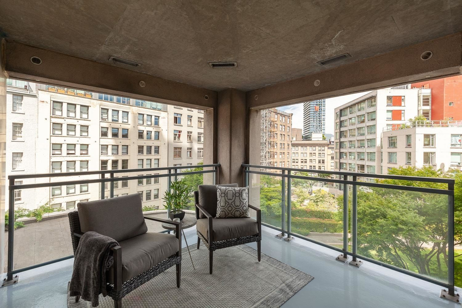 """Main Photo: 602 183 KEEFER Place in Vancouver: Downtown VW Condo for sale in """"Paris Place"""" (Vancouver West)  : MLS®# R2620893"""
