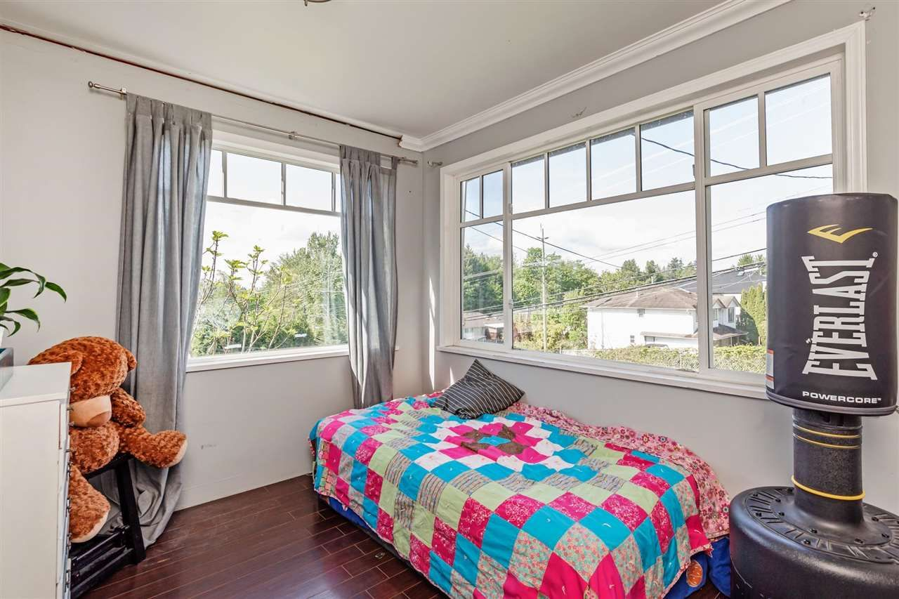 Photo 13: Photos: 8042 CEDAR Street in Mission: Mission BC House for sale : MLS®# R2579765