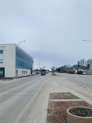 Photo 4: 885 Henderson Highway in Winnipeg: Industrial / Commercial / Investment for sale (3D)  : MLS®# 202106454