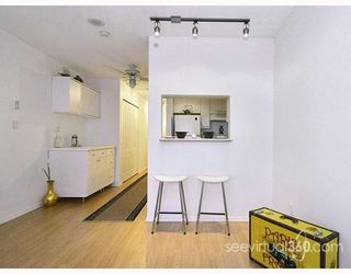 """Photo 4: 804 3455 ASCOT Place in Vancouver: Collingwood VE Condo for sale in """"QUEEN'S COURT"""" (Vancouver East)  : MLS®# V760161"""