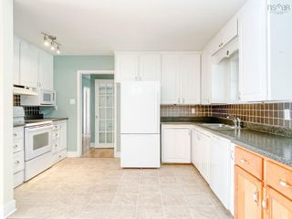 Photo 3: 28 Foster Street in Kentville: 404-Kings County Residential for sale (Annapolis Valley)  : MLS®# 202123680