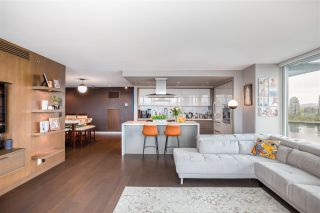 """Photo 7: 1802 8 SMITHE Mews in Vancouver: Yaletown Condo for sale in """"Flagship"""" (Vancouver West)  : MLS®# R2577399"""