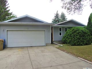 Photo 1: 104 Dryburgh Crescent in Regina: Walsh Acres Residential for sale : MLS®# SK867585