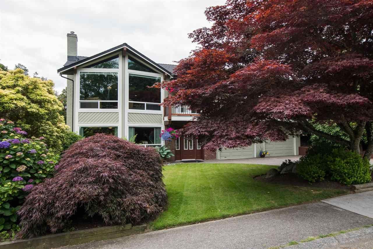 Main Photo: 294 W MURPHY Drive in Delta: Pebble Hill House for sale (Tsawwassen)  : MLS®# R2471820