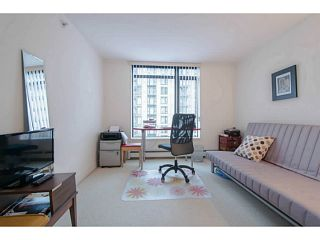 """Photo 7: 604 155 W 1ST Street in North Vancouver: Lower Lonsdale Condo for sale in """"Time"""" : MLS®# V1050173"""