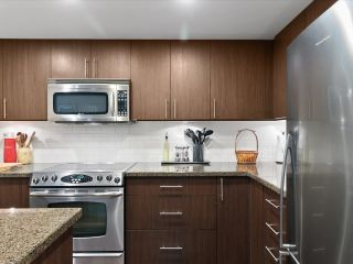 """Photo 7: 169 MILROSS Avenue in Vancouver: Downtown VE Townhouse for sale in """"Creekside at Citygate"""" (Vancouver East)  : MLS®# R2622901"""