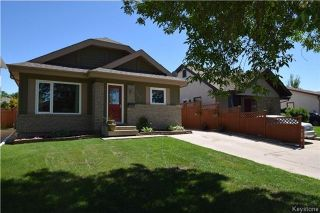 Photo 1: 107 Pinetree Crescent in Winnipeg: Riverbend Residential for sale (4E)  : MLS®# 1716061