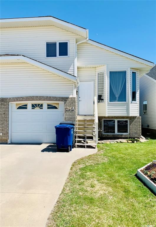 Main Photo: A 214 Crystal Villa in Warman: Residential for sale : MLS®# SK852243
