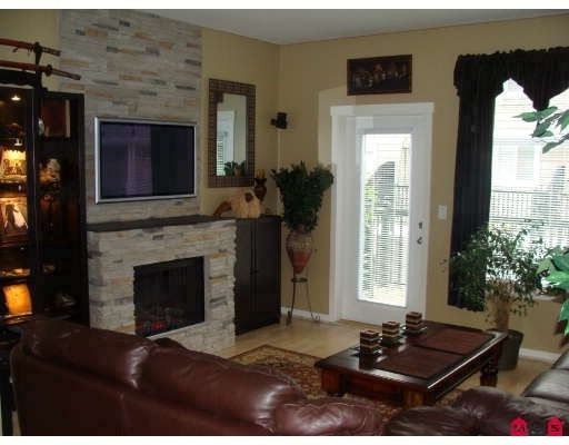 """Photo 2: Photos: 61 15075 60TH Avenue in Surrey: Sullivan Station Townhouse for sale in """"Natures Walk"""" : MLS®# F2823718"""