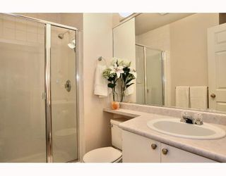 "Photo 8: 2 20985 CAMWOOD Avenue in Maple Ridge: Southwest Maple Ridge Townhouse for sale in ""MAPLE COURT"" : MLS®# V809174"